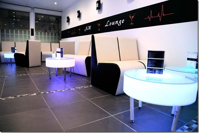 Jm lounge bar cocktails dreux coffee meuble le blog Coffee meuble